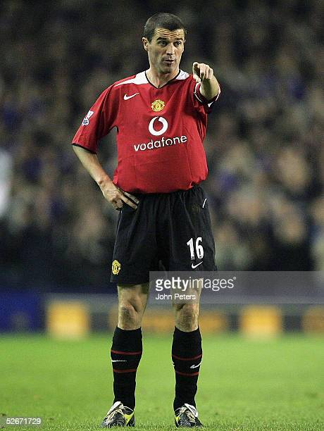 Roy Keane of Manchester United in action during the Barclays Premiership match between Everton and Manchester United at Goodison Park on April 20...