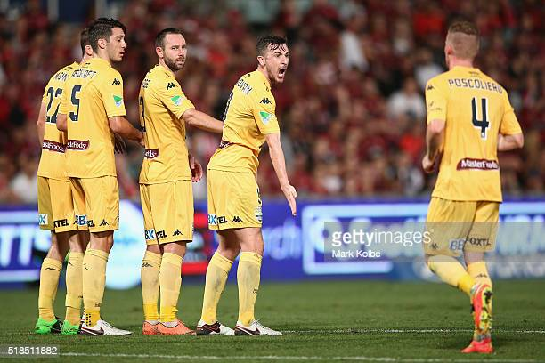 Roy ODonovan of the Mariners shouts instructions during the round 26 ALeague match between the Western Sydney Wanderers and the Central Coast...