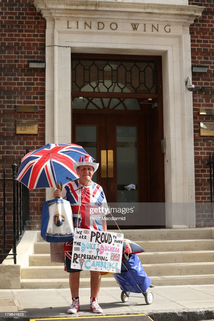 Royal fan Terry Hutt stands outside the Lindo wing of St Mary's Hospital as the UK prepares for the birth of the first child of The Duke and Duchess of Cambridge on July 16, 2013 in London, England.