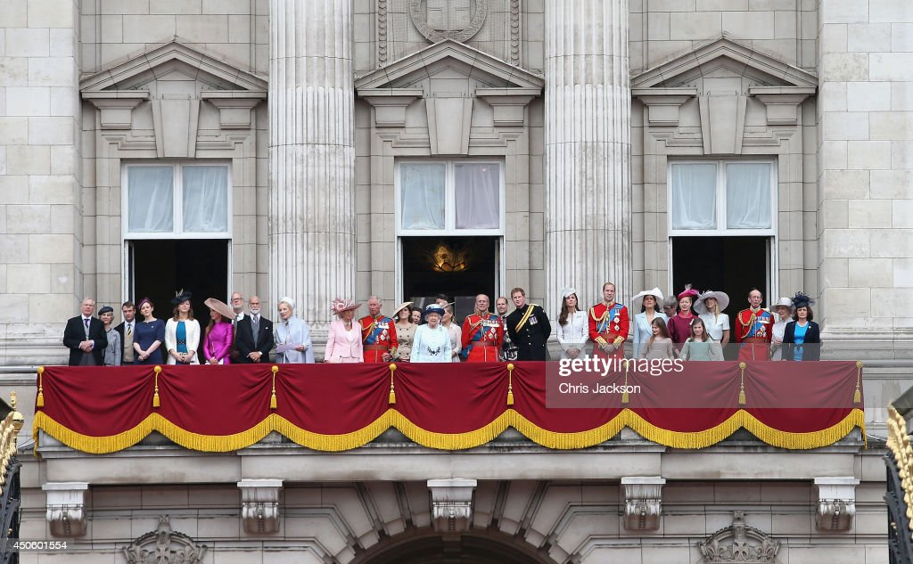 Queen elizabeth ii 39 s birthday parade trooping the colour for Queen on balcony