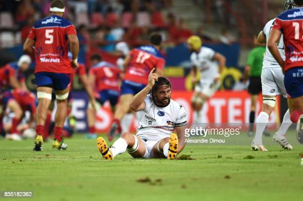 Ruahan Van Jaarsveld of Vannes looks injured during the Pro D2 match between Beziers and RC Vannes at on August 18 2017 in Beziers France