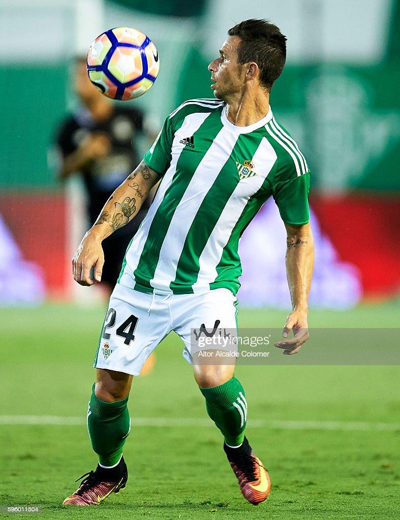 Ruben Castro of Real Betis Balompie in action during the match between Real Betis Balompie v RC Deportivo La Coruna as part of La Liga at Estadio...