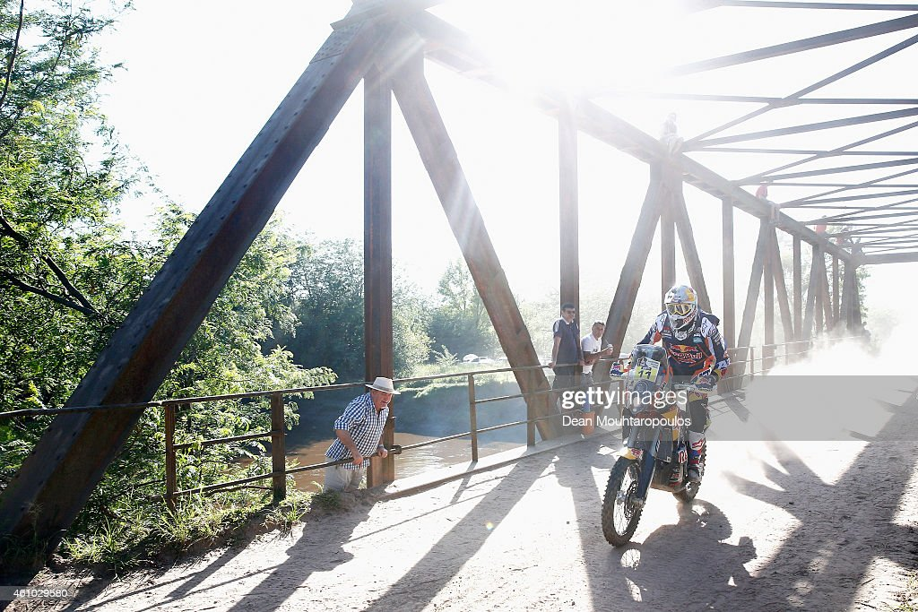 <a gi-track='captionPersonalityLinkClicked' href=/galleries/search?phrase=Ruben+Faria&family=editorial&specificpeople=2092898 ng-click='$event.stopPropagation()'>Ruben Faria</a> of Portugal and riding the for the Red Bull KTM Factory Team competes during day 1 of the Dakar Rallly on January 4, 2015 between Buenos Aires and Villa Carlos Paz, Argentina.