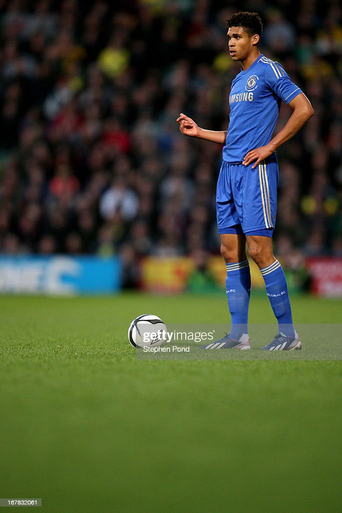 <a gi-track='captionPersonalityLinkClicked' href=/galleries/search?phrase=Ruben+Loftus-Cheek&family=editorial&specificpeople=8523328 ng-click='$event.stopPropagation()'>Ruben Loftus-Cheek</a> of Chelsea during the FA Youth Cup Final First Leg match between Norwich City and Chelsea at Carrow Road on April 29, 2013 in Norwich, England.