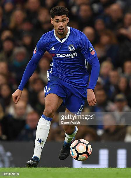 Ruben LoftusCheek of Chelsea in action during the Emirates FA Cup Fourth Round match between Chelsea and Brentford at Stamford Bridge on January 28...