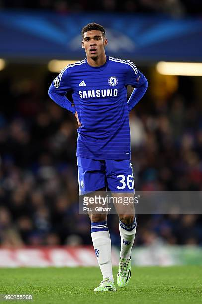 Ruben LoftusCheek of Chelsea in action during the UEFA Champions League group G match between Chelsea and Sporting Clube de Portugal at Stamford...