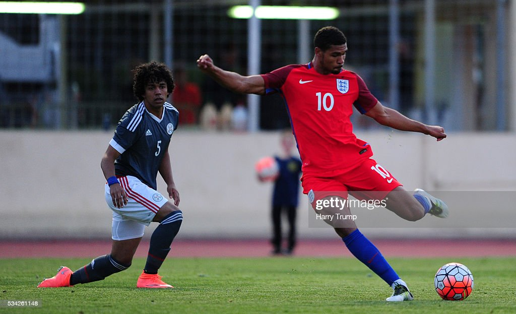 Ruben Loftus-Cheek of England scores his sides second goal during the Toulon Tournament match between Paraguay and England at Stade Antoinr Baptiste on May 25, 2016 in Six-Fours-Les-Plages, France.