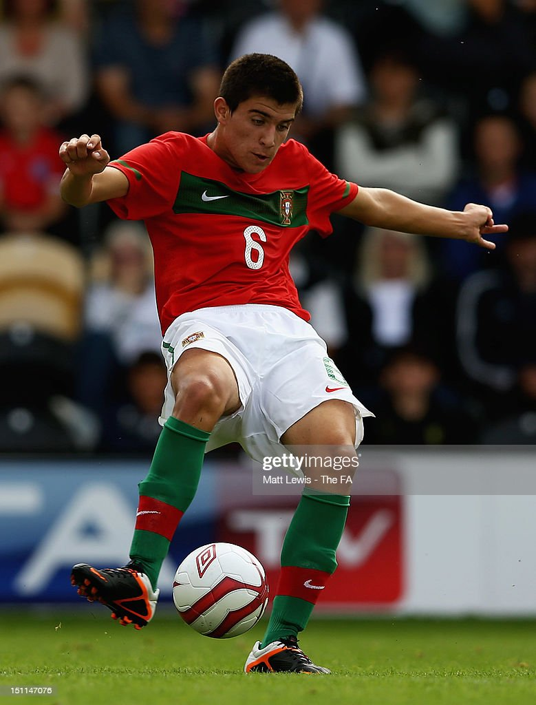 Ruben Neves of Portugal in action during the match between England U17 and Portugal U17 at Pirelli Stadium on September 2, 2012 in Burton-upon-Trent, England.