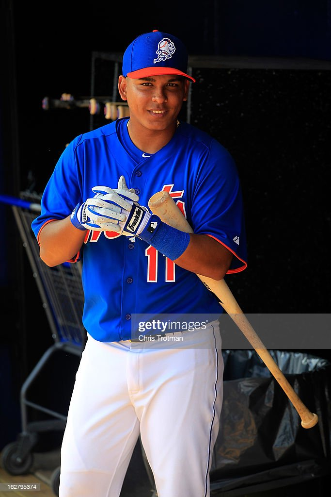 Ruben Tejada #11 of the New York Mets prepares to take batting practice prior to the game against the St. Louis Cardinals at Tradition Field on February 27, 2013 in Port St. Lucie, Florida.