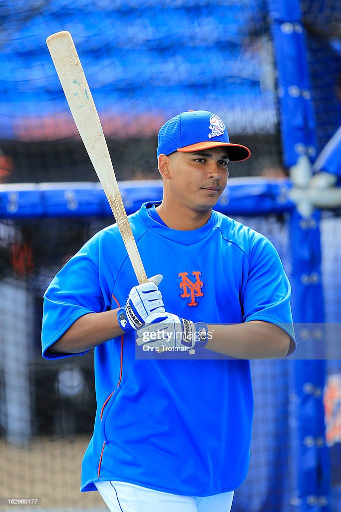 Ruben Tejada #11 of the New York Mets warms up during batting practice prior to the game against the Miami Marlins at Tradition Field on March 2, 2013 in Port St. Lucie, Florida.