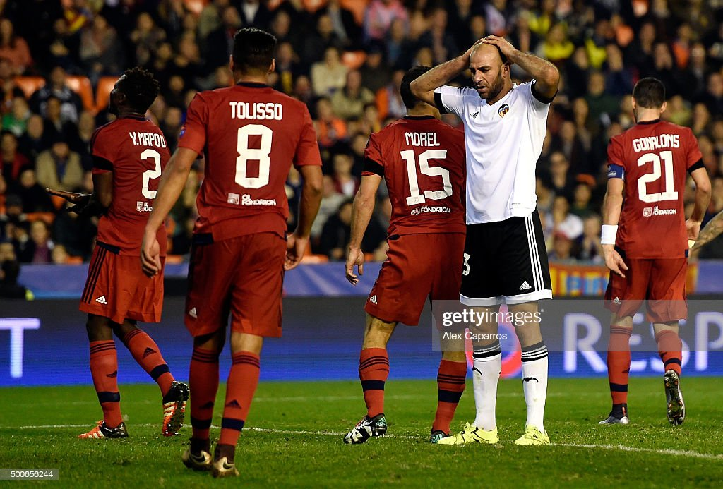 Ruben Vezo of Valencia looks dejected during the UEFA Champions League Group H match between Valencia CF and Olympique Lyonnais at Estadio Mestalla on December 9, 2015 in Valencia, Spain.