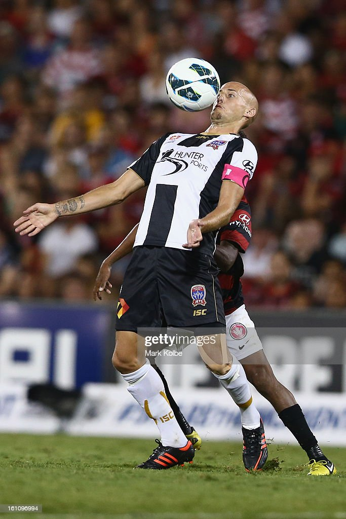 Ruben Zadkovich of the Jets controls the ball during the round 20 A-League match between the Western Sydney Wanderers and the Newcastle Jets at Campbelltown Sports Stadium on February 9, 2013 in Sydney, Australia.