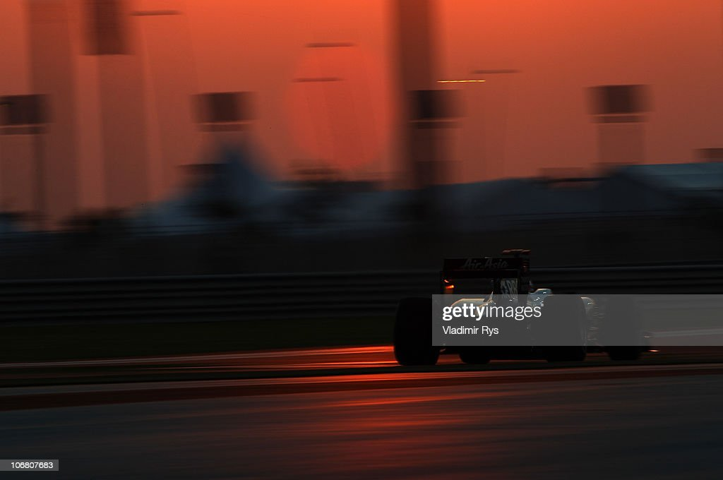 Rubens Barrichello of Brazil and Williams drives his car during qualifying for the Abu Dhabi Formula One Grand Prix at the Yas Marina Circuit on November 13, 2010 in Abu Dhabi, United Arab Emirates.