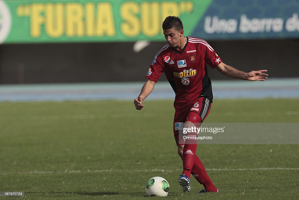 Rubert Quijada of Caracas FC in action during a match between Llaneros de Guanare and Caracas FC as part of the Clausura Tournament 2013 at the Estadio Olimpico Rafael Calles Pinto on April 24, 2013 in Guanare, Venezuela.