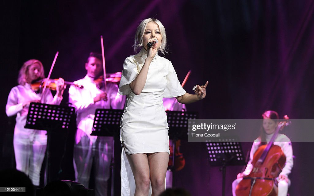 Ruby Frost performs on stage during the New Zealand Music Awards at Vector Arena on November 21, 2013 in Auckland, New Zealand.