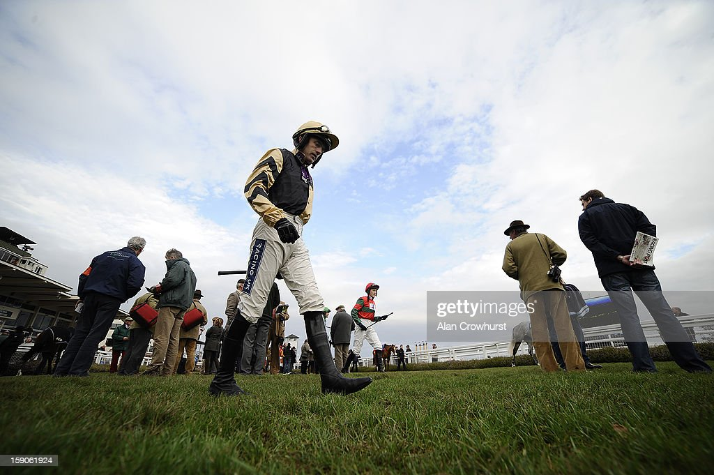 <a gi-track='captionPersonalityLinkClicked' href=/galleries/search?phrase=Ruby+Walsh&family=editorial&specificpeople=171838 ng-click='$event.stopPropagation()'>Ruby Walsh</a> makes his way into the parade ring at Taunton racecourse on January 07, 2013 in Taunton, England.