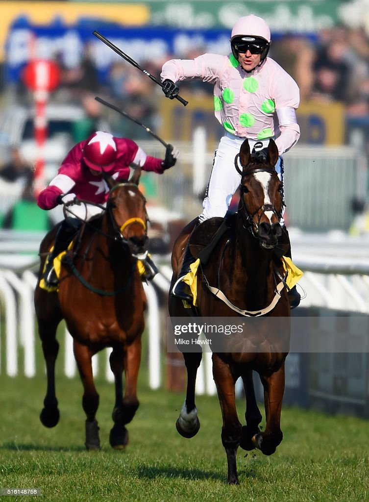 Ruby Walsh rides Vautour to victory in the Ryanair Chase on day three, St Patrick's Thursday, of the Cheltenham Festival at Cheltenham Racecourse on March 17, 2016 in Cheltenham, England.