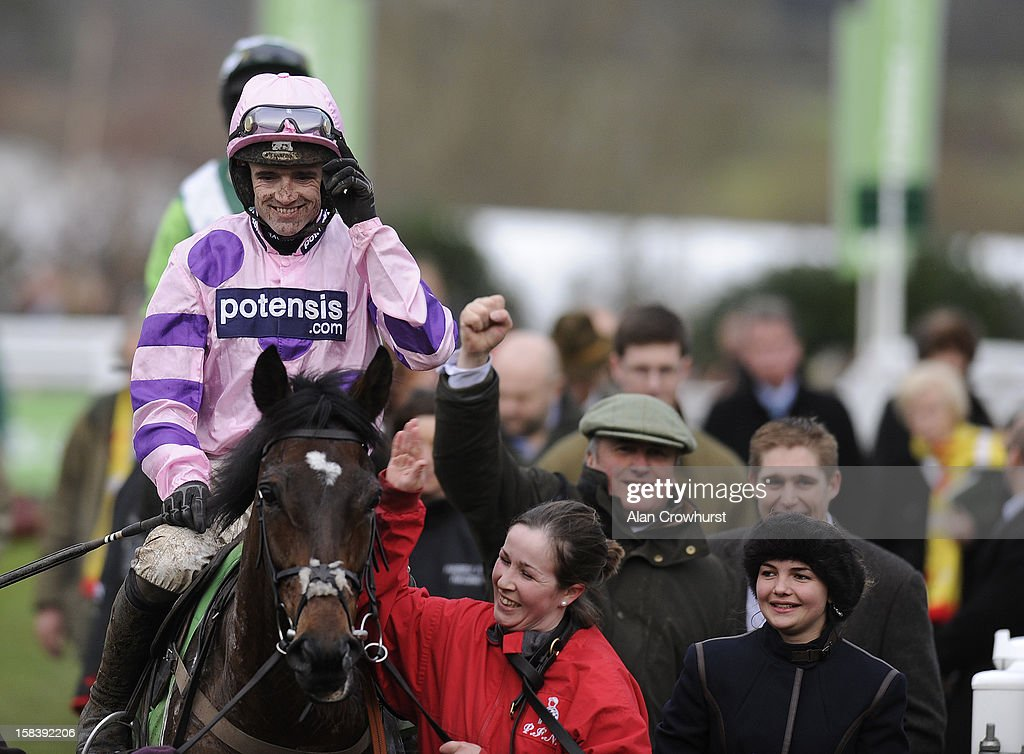 <a gi-track='captionPersonalityLinkClicked' href=/galleries/search?phrase=Ruby+Walsh&family=editorial&specificpeople=171838 ng-click='$event.stopPropagation()'>Ruby Walsh</a> riding Zarkandar win the StanJames.com International Hurdle Race at Cheltenham racecourse on December 15, 2012 in Cheltenham, England.