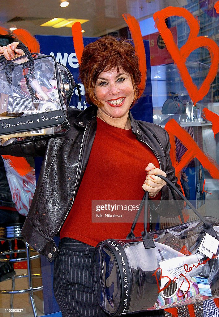 """Ruby Wax Launches """"The Ultimate Bag Woman"""" Line - October 22, 2005"""