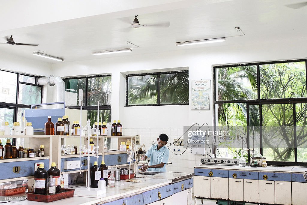 A Ruchi Soya Industries Ltd. employee washes his hands in a laboratory of the quality assurance department at the at the company's edible oil refinery plant in Patalganga, India, on Tuesday, June 18, 2013. Monsoon, which accounts for 70 percent of Indias annual rainfall, covered the entire country in a record time, accelerating plantings of crops from rice to soybeans and cotton. Rains covered the whole of India by June 16, the earliest ever and ahead of the normal date of July 15, said D.S. Pai, head of the long-range forecasting division at the India Meteorological Department. Photographer: Dhiraj Singh/Bloomberg via Getty Images