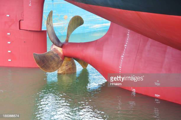Ruder und Propeller des Schiffs