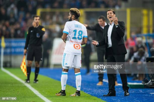 Rudi Garcia head coach give an instruction Jordan Amavi of Marseille during the Ligue 1 match between Strasbourg and Olympique Marseille at Stade de...