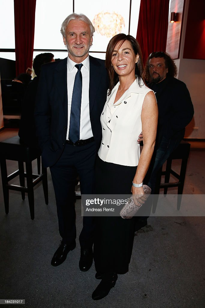 <a gi-track='captionPersonalityLinkClicked' href=/galleries/search?phrase=Rudi+Voeller&family=editorial&specificpeople=225089 ng-click='$event.stopPropagation()'>Rudi Voeller</a> and wife Sabrina Voeller attend the Steiger Award 2013 at Dortmunder U on October 12, 2013 in Dortmund, Germany.