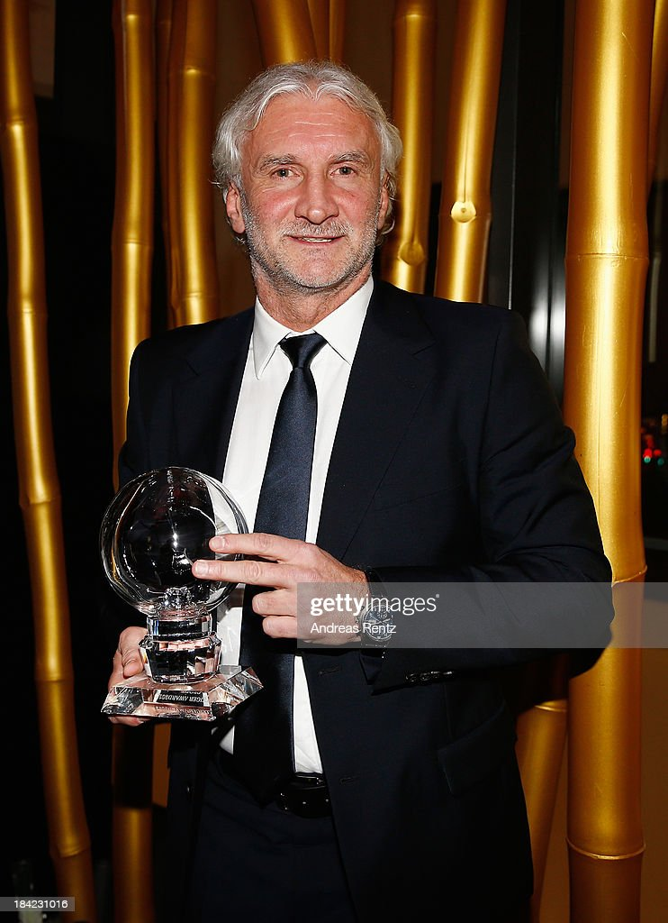 <a gi-track='captionPersonalityLinkClicked' href=/galleries/search?phrase=Rudi+Voeller&family=editorial&specificpeople=225089 ng-click='$event.stopPropagation()'>Rudi Voeller</a> poses with his award at the Steiger Award 2013 at Dortmunder U on October 12, 2013 in Dortmund, Germany.