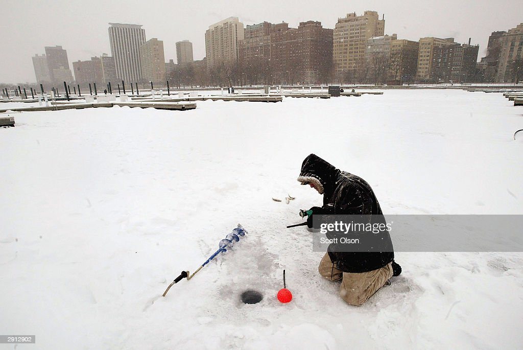 Chicago gripped by continuing deep freeze getty images for Fishing in chicago