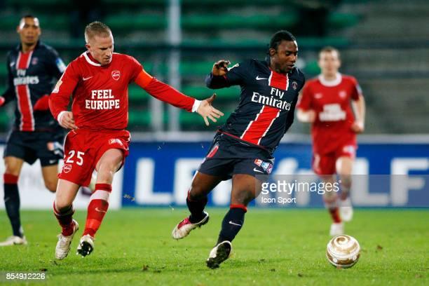 Rudy MATER / Stephane SESSEGNON Valenciennes / PSG 1/4 Finale Coupe de la Ligue 2010/2011