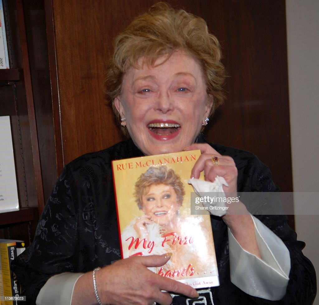 """Rue McClanahan Signs Copies of Her Autobiography """"My First Five Husbands And"""