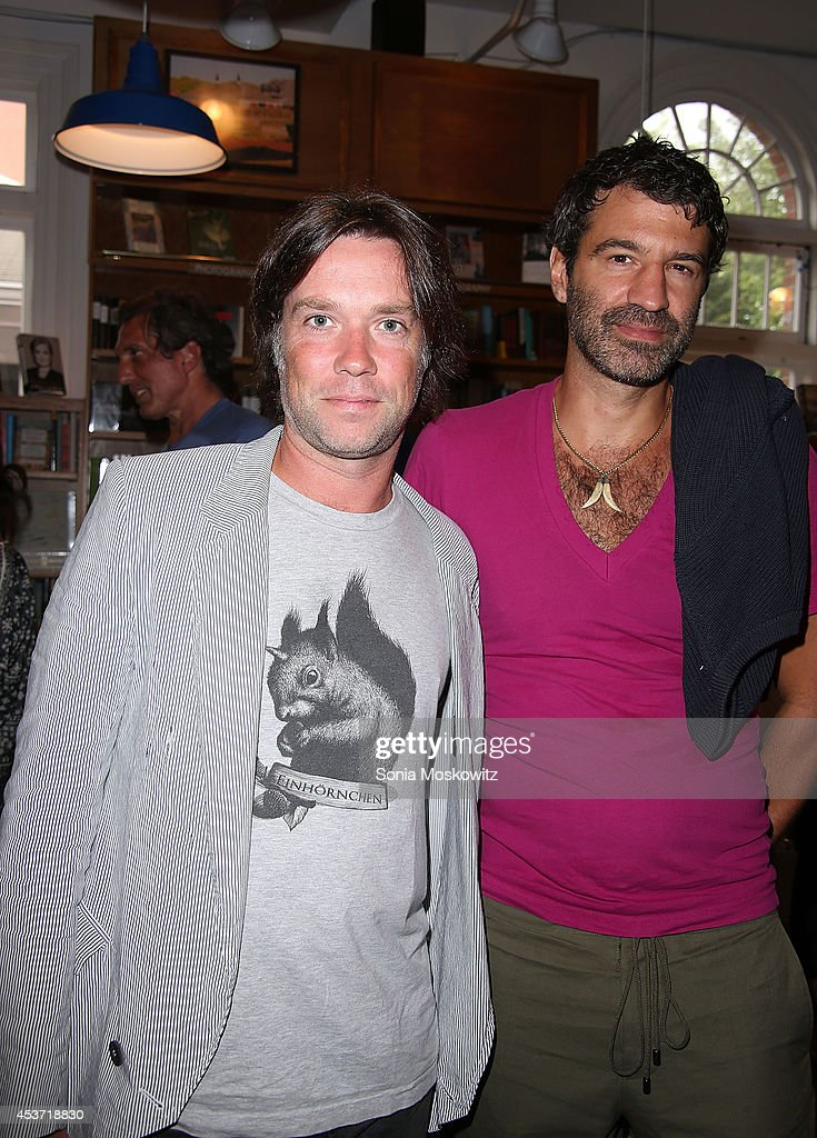 <a gi-track='captionPersonalityLinkClicked' href=/galleries/search?phrase=Rufus+Wainwright&family=editorial&specificpeople=206122 ng-click='$event.stopPropagation()'>Rufus Wainwright</a> and husband Jorn Weisbrodt at Hillary Rodham Clinton booksigning of 'Hard Choices' at BookHampton on August 16, 2014 in East Hampton, New York.