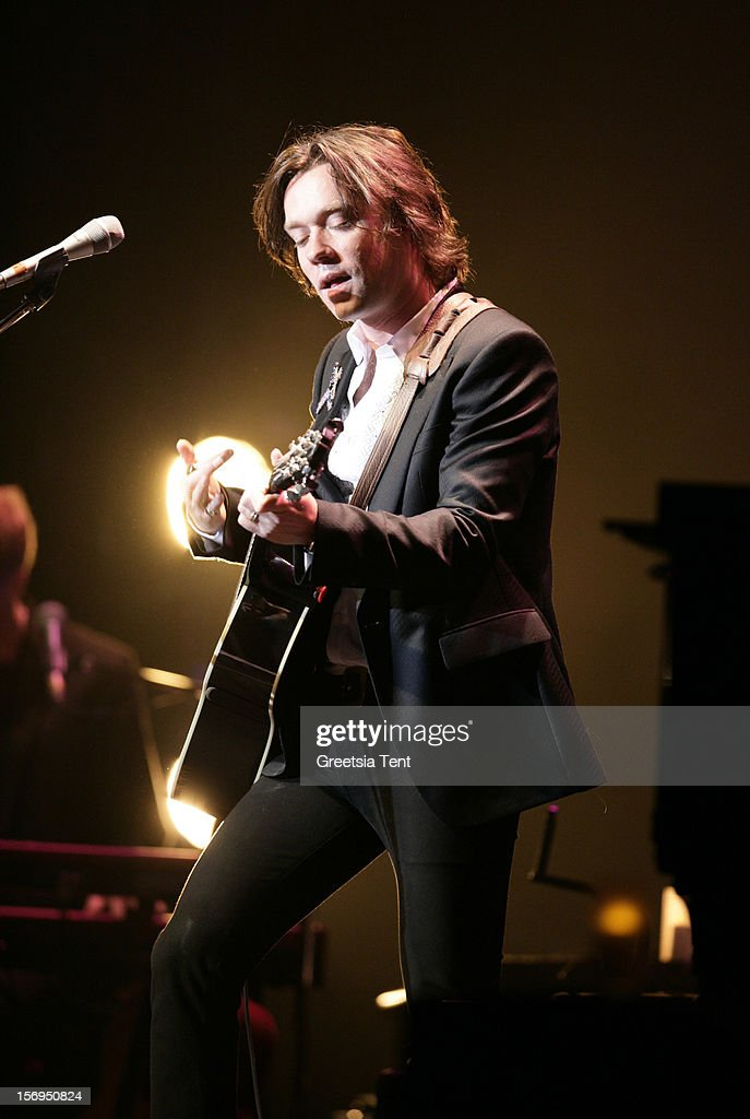 <a gi-track='captionPersonalityLinkClicked' href=/galleries/search?phrase=Rufus+Wainwright&family=editorial&specificpeople=206122 ng-click='$event.stopPropagation()'>Rufus Wainwright</a> performs at the Heineken Music Hall on November 25, 2012 in Amsterdam, Netherlands.