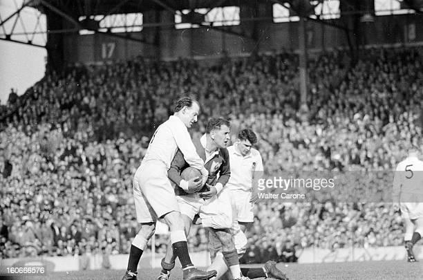 Rugby Tournament Of Five Nations Paris 1954 A l'occasion du match FranceAngleterre au stade de Colombes pour le Tournoi des cinq nations portrait du...