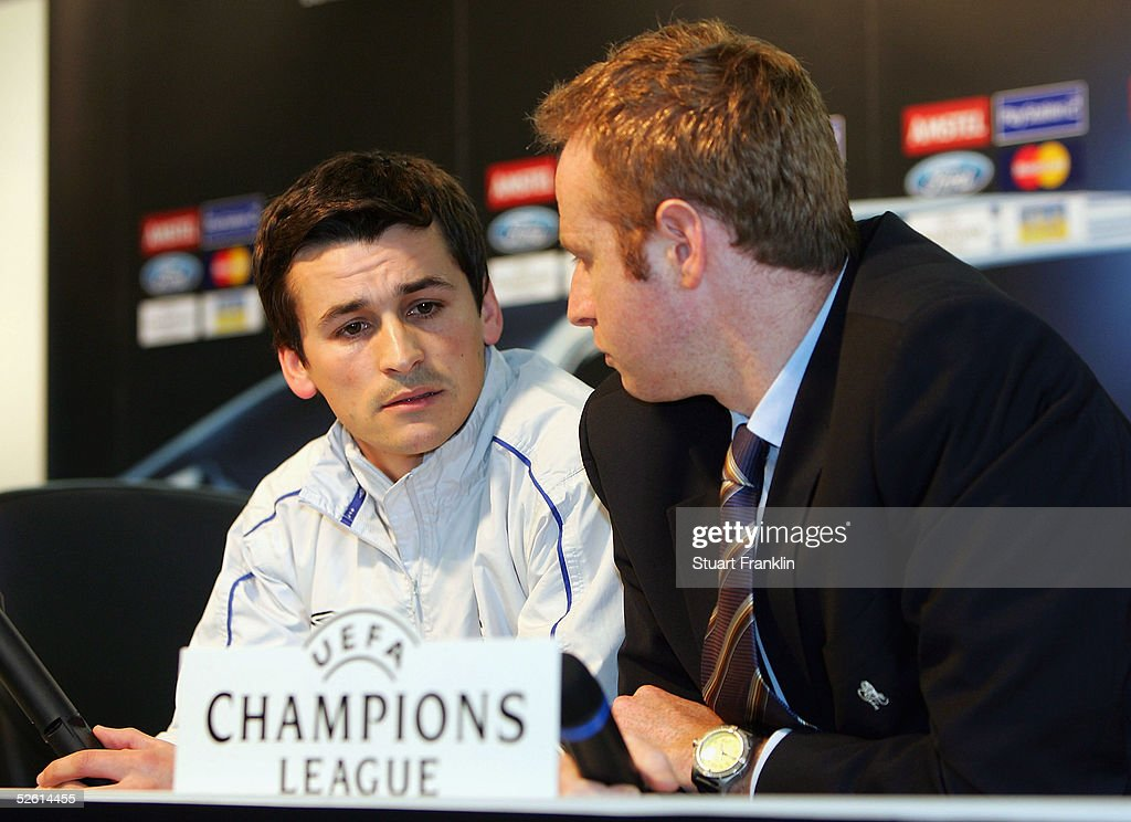 <a gi-track='captionPersonalityLinkClicked' href=/galleries/search?phrase=Rui+Faria&family=editorial&specificpeople=2492148 ng-click='$event.stopPropagation()'>Rui Faria</a>, fitness trainer of Chelsea FC, and Simon Greenberger, director of communications, confer during a Press Conference before The UEFA Champions League quarter-final second leg match between FC Bayern Munich and Chelsea FC, at The Olympic Stadium on April 11, 2005 in Munich, Germany.