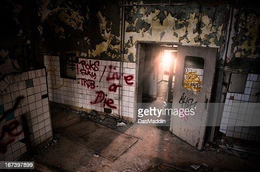Ruin with sunshine through door HDR : Stockfoto