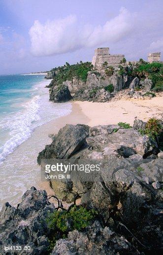 Ruins of The Castle (El Castillo) on the Caribbean coastline, Tulum, Mexico : Stock Photo