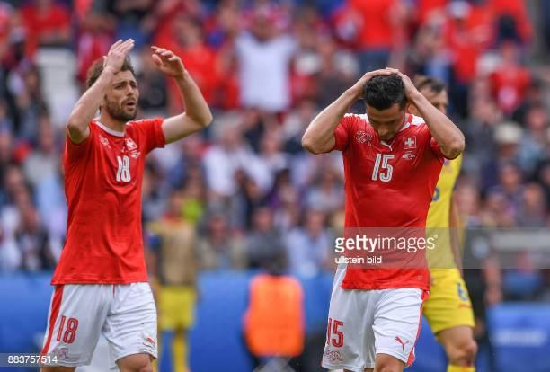 FUSSBALL Rumaenien Schweiz Admir Mehmedi und Blerim Dzemaili