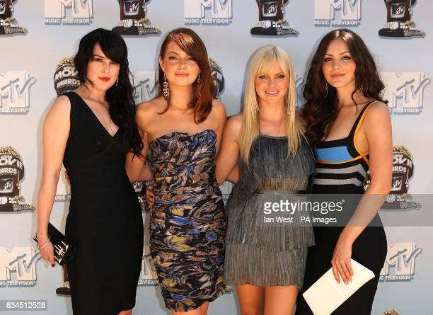 Rumer Willis Emma Stone Anna Faris and Katharine McPhee arrive at the 2008 MTV Movie Awards Universal Studios Los Angeles California