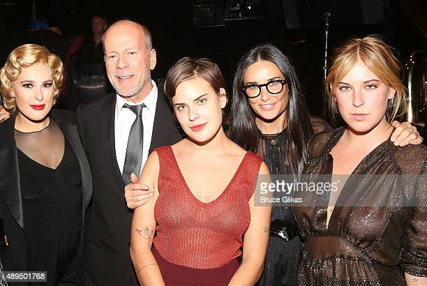 Rumer Willis father Bruce Willis sister Tallulah Belle Willis mother Demi Moore and sister Scout LaRue Willis pose backstage as Rumer makes her...