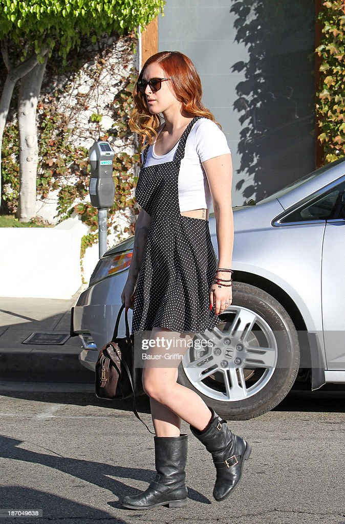 <a gi-track='captionPersonalityLinkClicked' href=/galleries/search?phrase=Rumer+Willis&family=editorial&specificpeople=617003 ng-click='$event.stopPropagation()'>Rumer Willis</a> is seen on November 05, 2013 in Los Angeles, California.