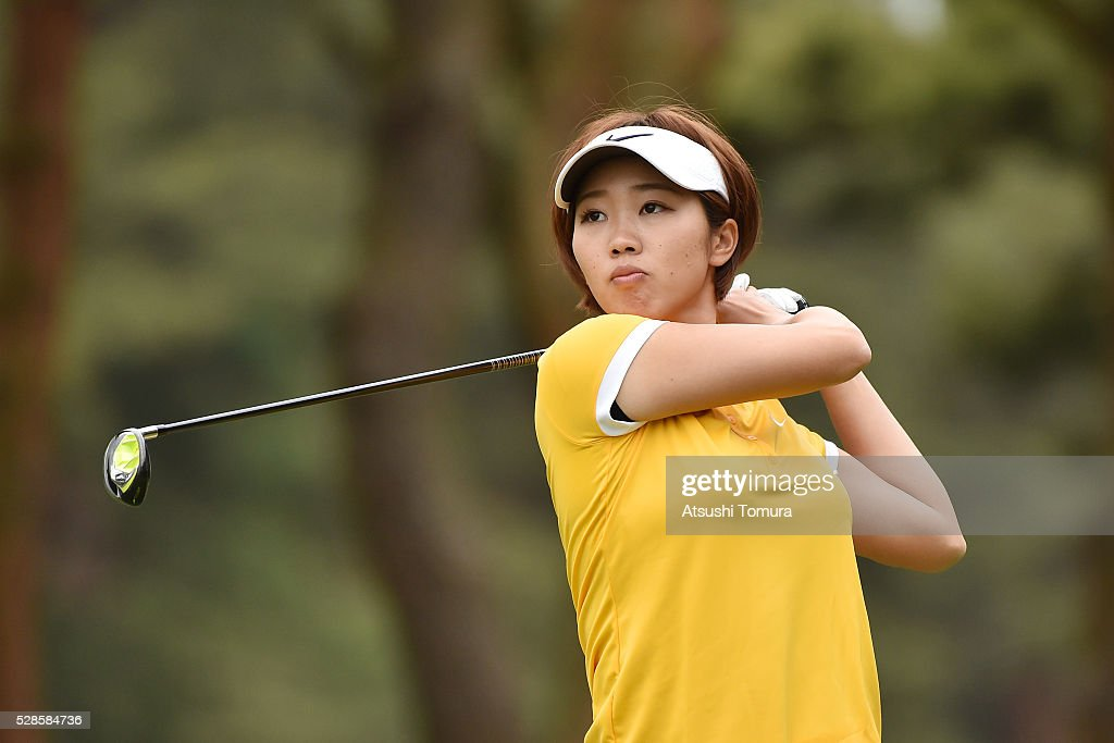 <a gi-track='captionPersonalityLinkClicked' href=/galleries/search?phrase=Rumi+Yoshiba&family=editorial&specificpeople=14050364 ng-click='$event.stopPropagation()'>Rumi Yoshiba</a> of Japan hits her tee shot on the 2nd hole during the second round of the World Ladies Championship Salonpas Cup at the Ibaraki Golf Club on May 6, 2016 in Tsukubamirai, Japan.