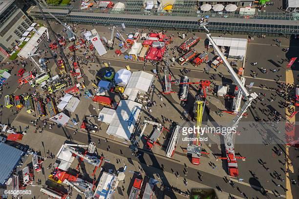 Rund 1400 Aussteller aus über 49 Ländern präsentieren auf der INTERSCHUTZ 2015 ihre Neuheiten aus den Bereichen Brandschutz Rettungsdienst und...