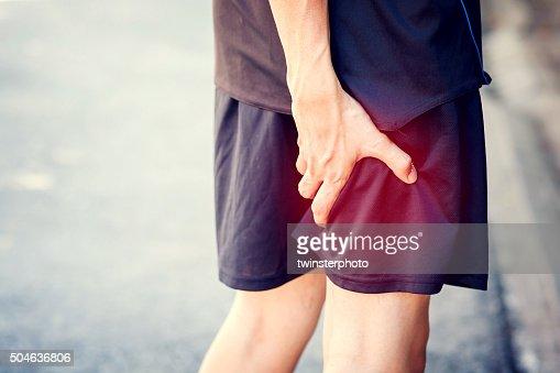 Schmerzhafte Läufer berühren Bein. Athlet Läufer training Unfall. : Stock-Foto
