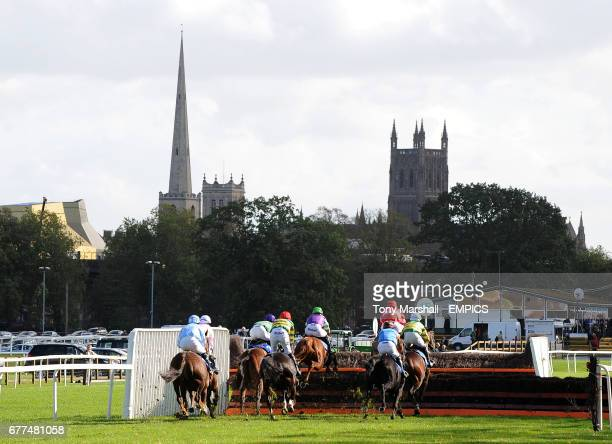 Runners in The EBF 'National Hunt' Novices' Hurdle with Worcester's two Cathedrals in the background