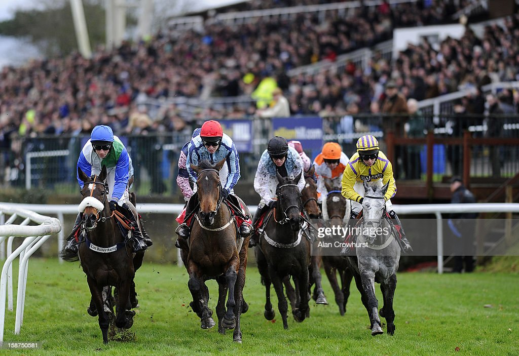 Runners turn away from the grandstands at Kempton racecourse on December 27, 2012 in Sunbury, England.