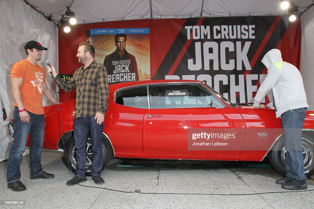 Runner-up Matt Waggoner and Winner Italo Ciccavelli at the 'Jack Reacher' Reach For Reacher Blu-Ray/DVD Launch And 1971 Chevelle SS Clone Car Giveaway at Hollywood & Highland Courtyard on May 7, 2013 in Hollywood, California.