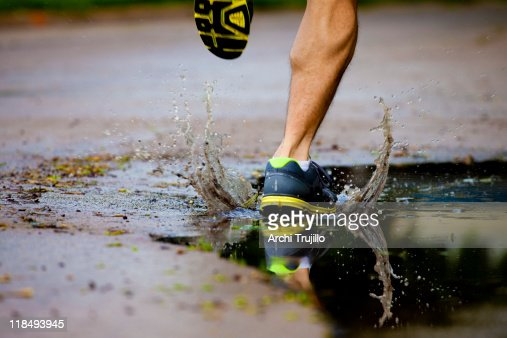 Running after a morning rain : ストックフォト