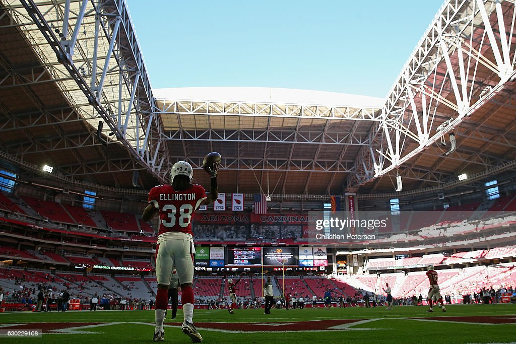 Running back Andre Ellington #38 of the Arizona Cardinals warms up before the NFL game against the New Orleans Saints at the University of Phoenix Stadium on December18, 2016 in Glendale, Arizona. The Saints defeated the Cardinals 48-41.