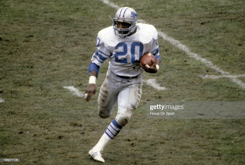 Running Back <a gi-track='captionPersonalityLinkClicked' href=/galleries/search?phrase=Billy+Sims&family=editorial&specificpeople=541482 ng-click='$event.stopPropagation()'>Billy Sims</a> #20 of the Detroit Lions carries the ball against the Green Bay Packers during an NFL football game at Lambeau Field circa 1980 in Green Bay Wisconsin. Sims played for the Lions from 1980-84.